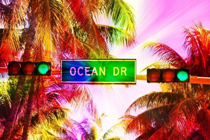 Miami_Beach_ocean_Drive_shutterstock_218076430