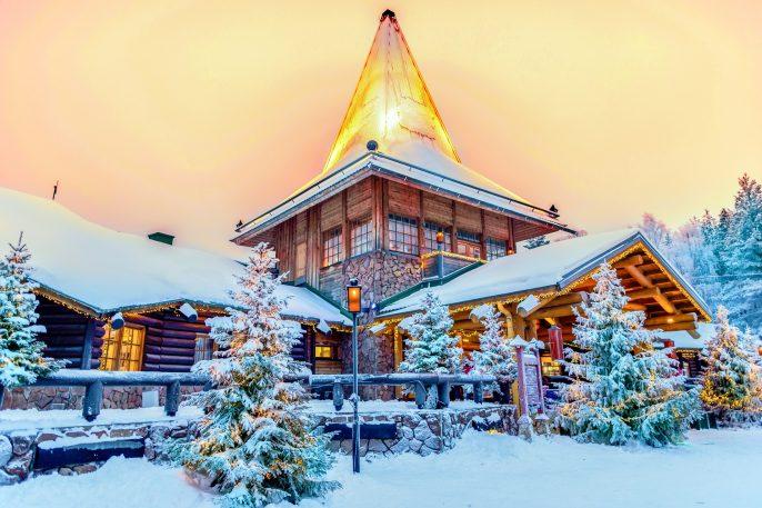 Rovaniemi Finnland Santa Claus Village shutterstock_597095666