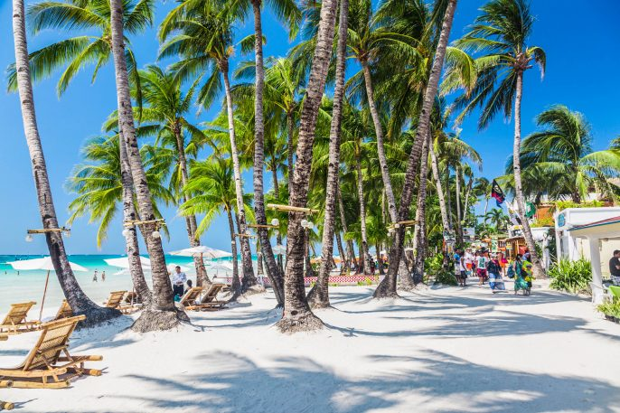 Boracay weißen Strand iStock_000042848664_Large EDITORIAL ONLY Andrey Danilovich-2