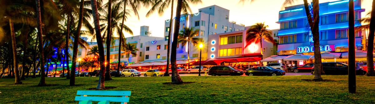 Art Deco Hotels Miami iStock_000068122483_Large-2