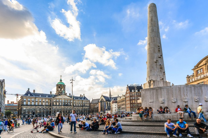Damsquare Amsterdam iStock_000027323574_Large EDITORIAL ONLY GoranQ-2