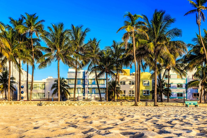 Miami-Beach,-Florida-hotels-and-restaurants-at-twilight-on-Ocean-iStock_000057288262_Large-2-2