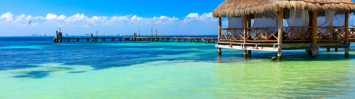 Relax: beach palapa thatched roof – Cancun, caribbean tropical paradise