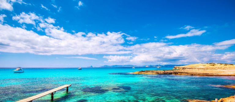 Formentera – Playa de ses Illetes iStock_000045006630_Large-2
