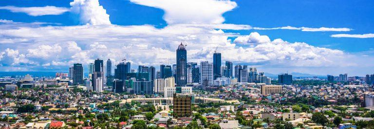 Manila Stadt in der Dämmerung zeigen Makati City, Ortigas iStock_000067652209_Large-2
