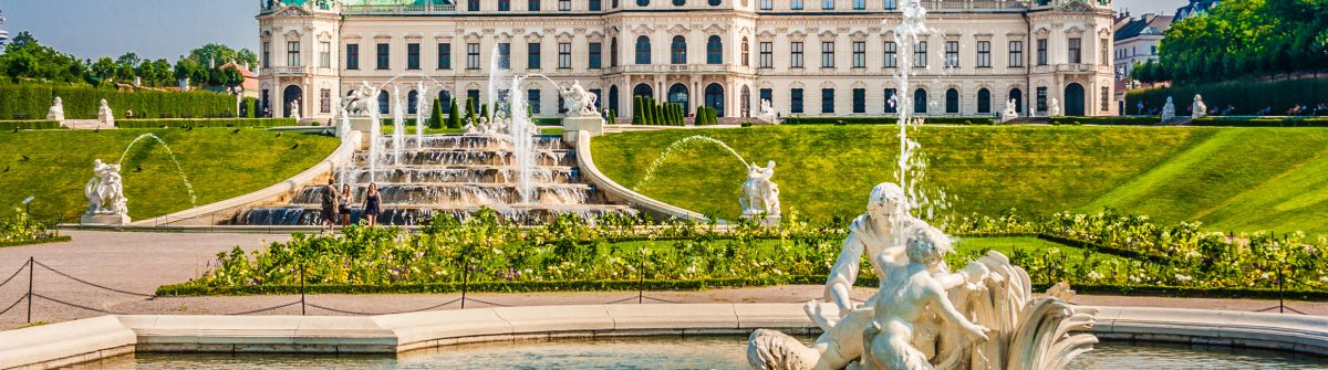 Wien Castle shutterstock_249139849-2