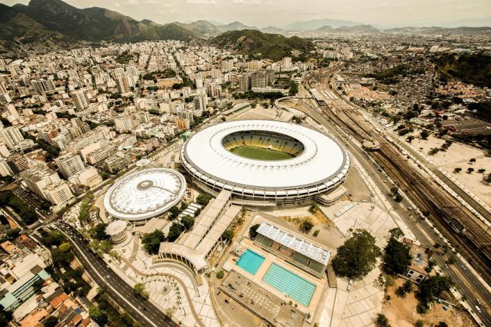 w2m0001p002_Rio_Football_Maracana