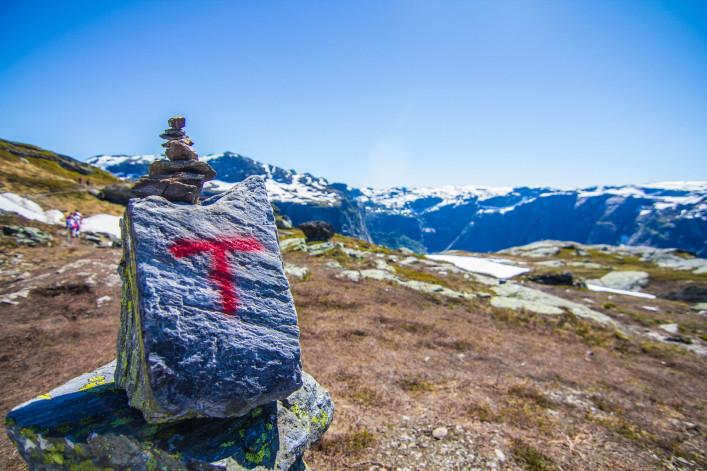 Signpost in Trolltunga Norway iStock_000080107093_Large-2