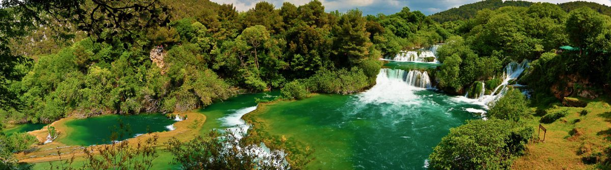 panoramic-hdr-photo-of-waterfalls-in-krka-national-park-in-croatia-_shutterstock_85606294