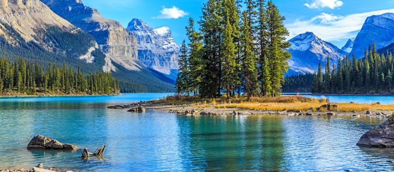 Spirit Island in Maligne Lake, Jasper National Park, Alberta, Canada_shutterstock_255015211