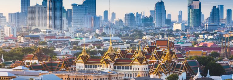 Sunrise with Grand Palace of Bangkok, Thailand_shutterstock_300284237