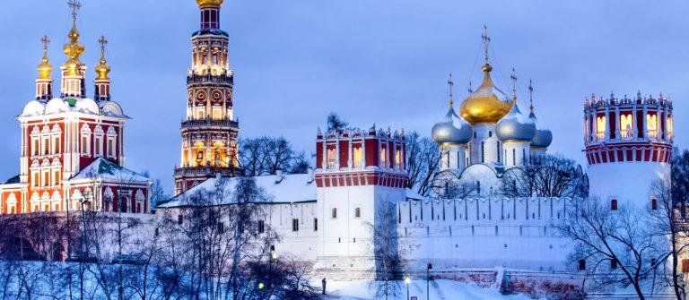 winter-blick-auf-neujungfrauen-kloster-in-moskau-russland-istock_000018951659_large-2