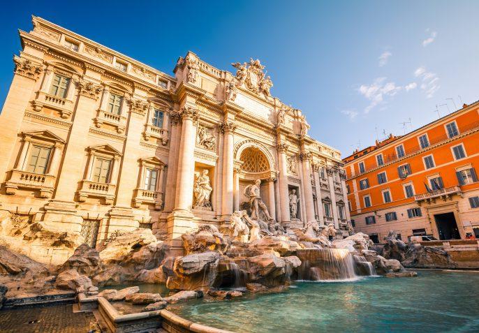 Fountain di Trevi in Rome, Italy_shutterstock_111075467