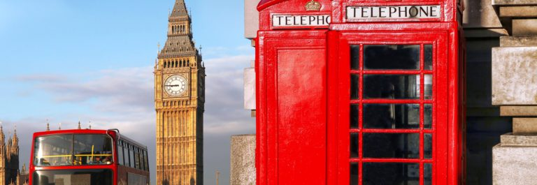 london-hop-on-hop-off-bus-telefonzelle-shutterstock_302261093