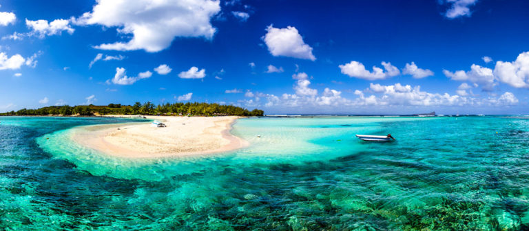 mauritius-beach-reef-majestic-scenics-istock_000064252115_medium-2