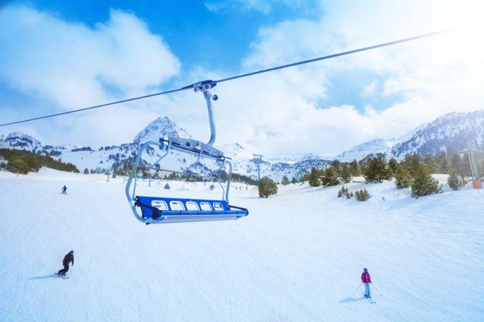 ski-lift-seat-over-the-pistes-in-mountains-in-grandvalira-andorra_shutterstock_143413042