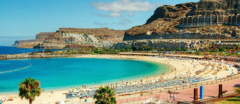 Amadores-beach-Gran-Canaria-Spain-Spanien-iStock_000017333252_Large – Copy