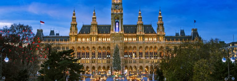 Christmas-Market-Wien-shutterstock_719357683