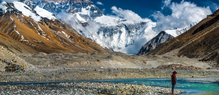 Mt, Everest, Tibet Ladscape shutterstock_222646729-2