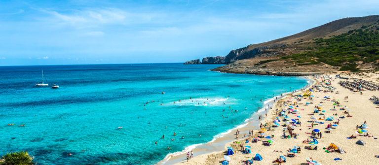 Strand von Cala Mesquida, Mallorca Spain iStock_000048276582_Large-2