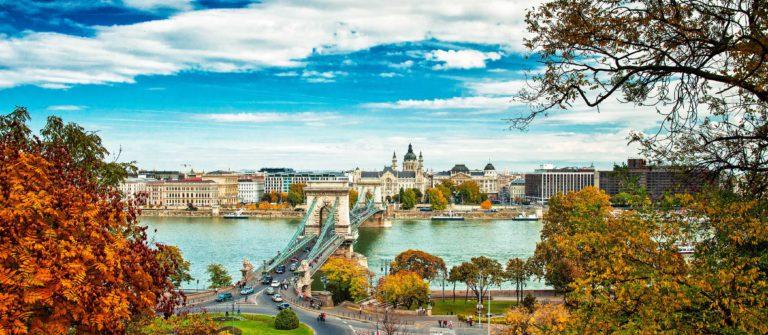Budapest in autumn shutterstock_160092149-2