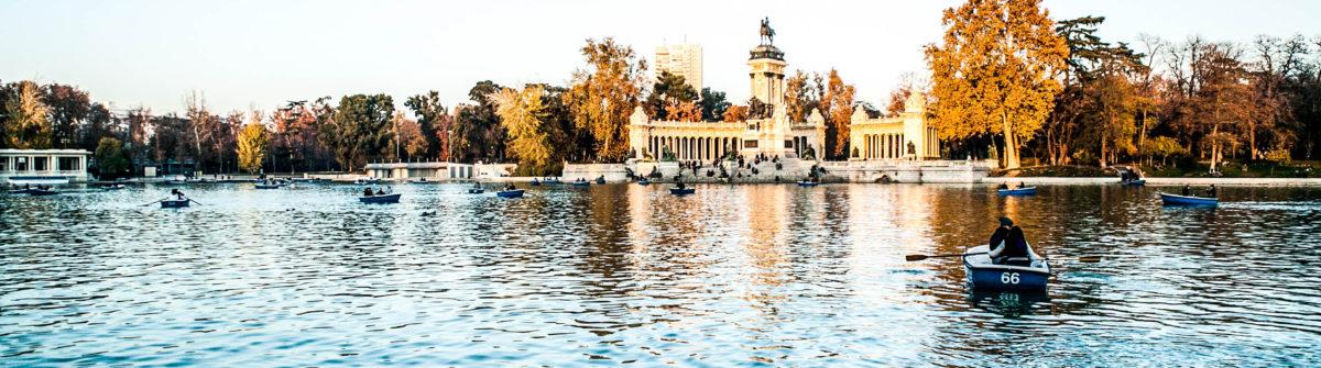 Parque del retiro lake, Madrid shutterstock_130263374-2