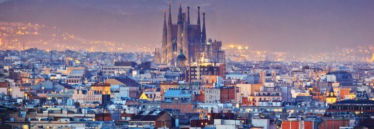 Barcelona_sagrada_familia_shutterstock_178539545