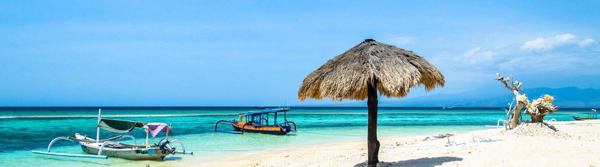 Beach of Gili Meno, Lombok, Indonesia shutterstock_404783080-2