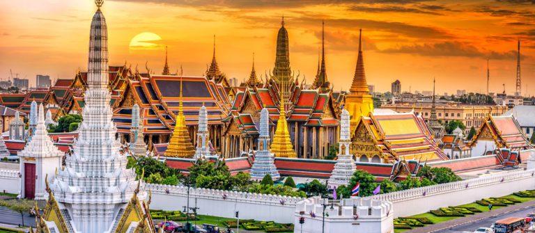 Grand palace and Wat phra keaw at sunset bangkok, Thailand shutterstock_367503629-2