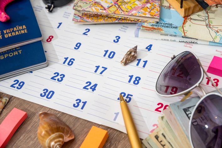 calendar with travel set