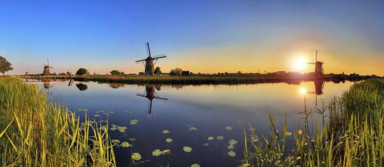 Kinderdijk Niederlande Netherlands iStock_000036271710_Large