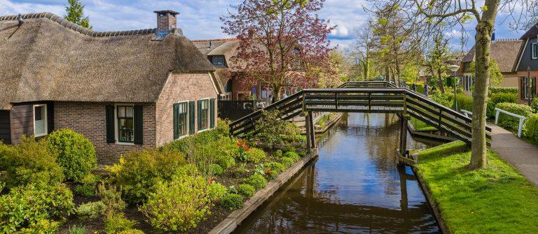Giethoorn-shutterstock_725926291-Copy