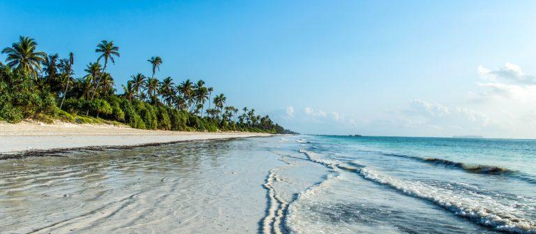 A deserted beach on the tropical island of Zanzibar_shutterstock_325806599-2