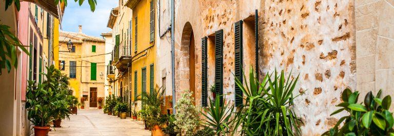 Alcudia-Old-Town-in-Majorca-Mallorca-shutterstock_436456063-2