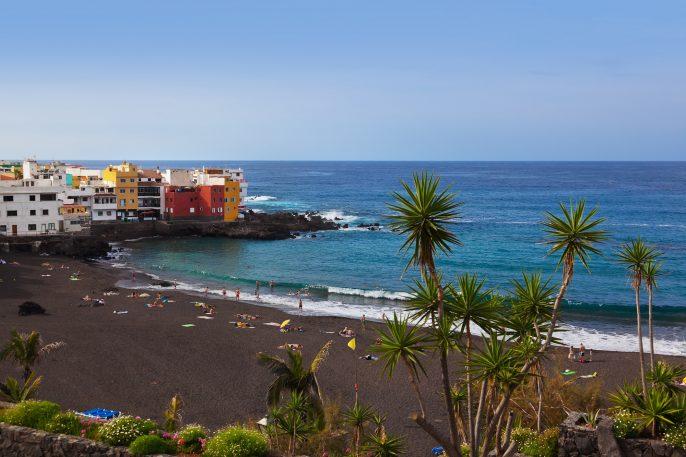 Beach-in-Puerto-de-la-Cruz-Tenerife-island-Canary-Spain_shutterstock_258470768