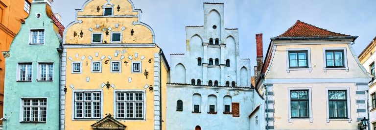 Famous medieval buildings in old Riga city, Latvia_shutterstock_256440031 – Copy