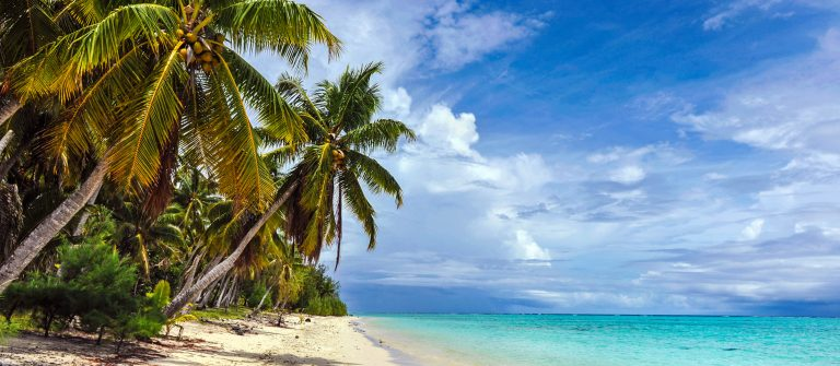 Tuvalu Fiji iStock_000023281711_Large-2