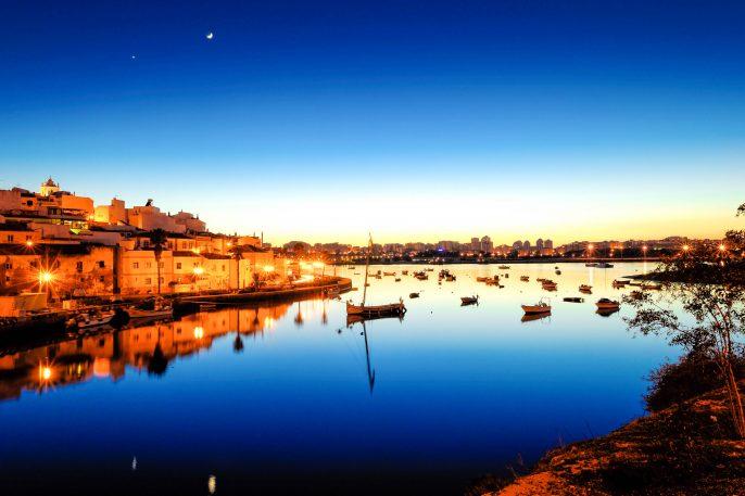 Algarve-Sunset-iStock_000065013783_Large-2