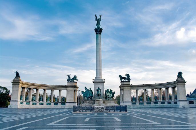 Budapest_shutterstock_152642747