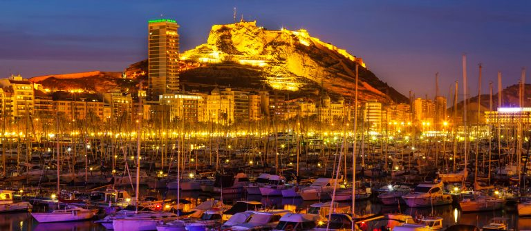 Port of Alicante in night