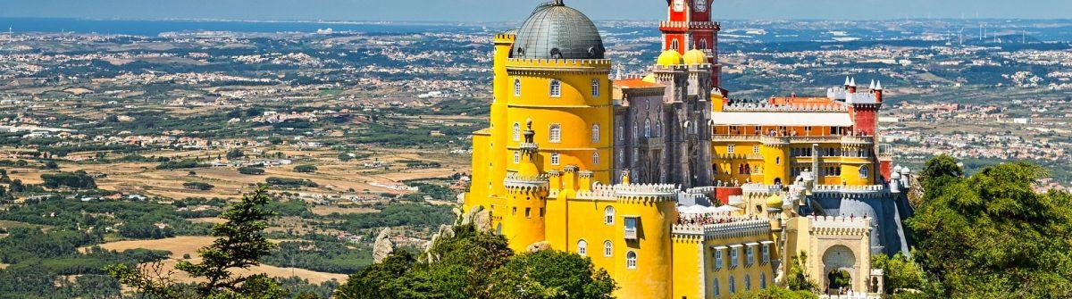 Sintra_castle_shutterstock_306705473 – Copy
