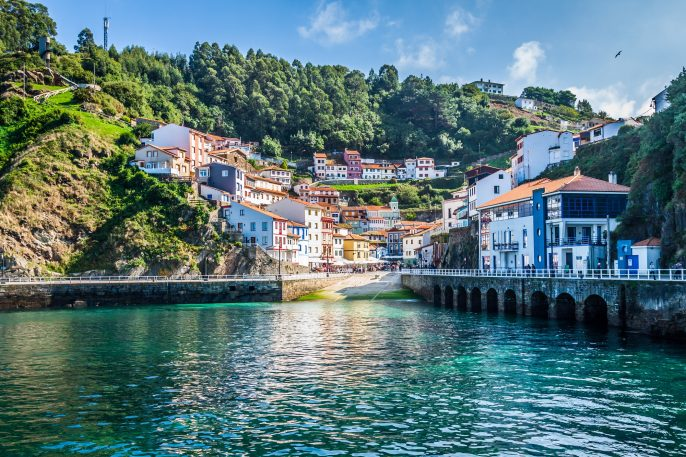 Cudillero Asturias shutterstock_235755028 x2000
