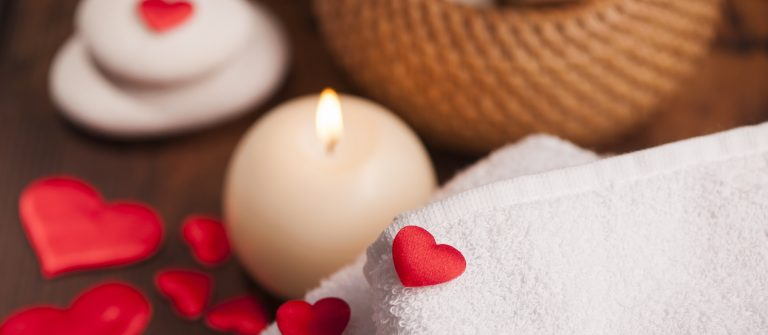 Love spa Wellness decoration_550725838