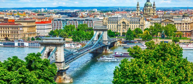 Budapest shutterstock_562412311