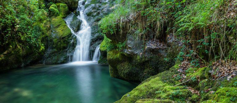 Waterfalls near the source of Zirauntza river, Alava (Spain)_418945561
