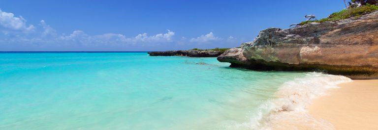 Caribbean Sea beach in Playa del Carmen, Mexico_shutterstock_164822540