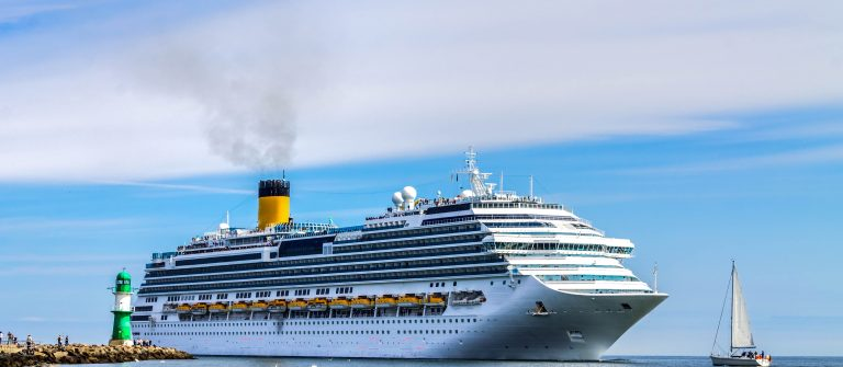 Cruise ship shutterstock_569641117-2