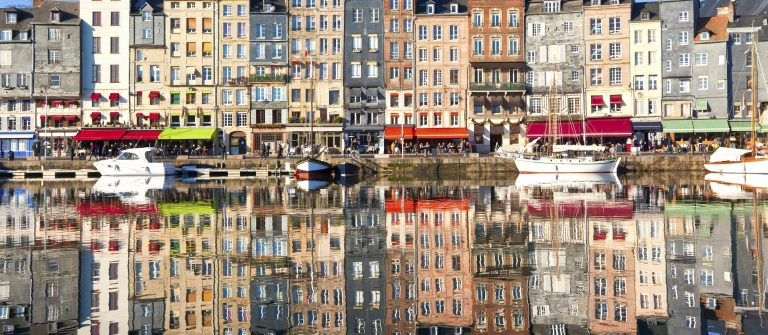 Honfleur_Normandie_France_smaller_69335485