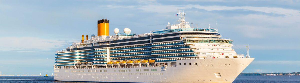 White cruise ship in St. Petersburg shutterstock_528438514-2