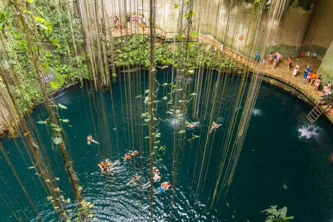 cenote-mexico_532602094
